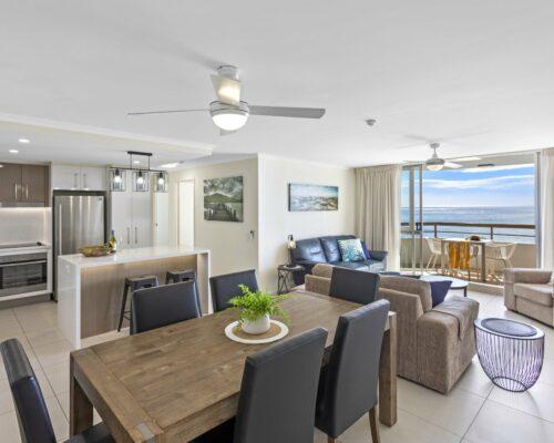 13b-2-bed-pano-view-holiday-apartment-mooloolaba (2)