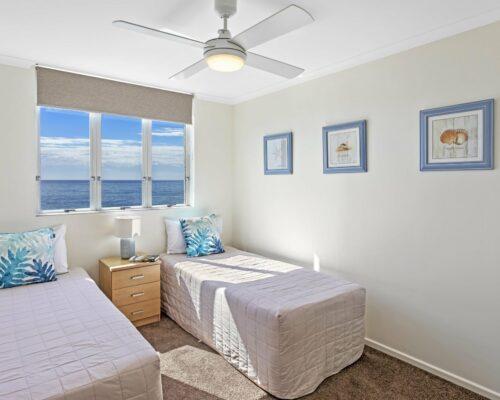 13b-2-bed-pano-view-holiday-apartment-mooloolaba (4)