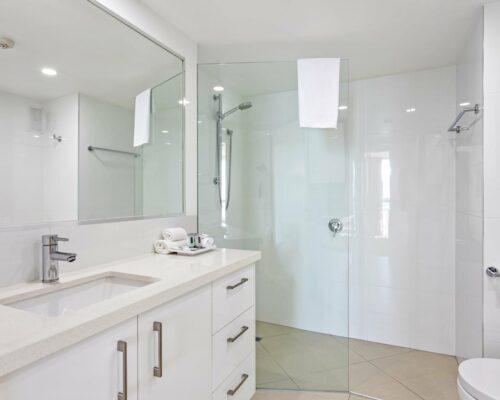 13b-2-bed-pano-view-holiday-apartment-mooloolaba (7)