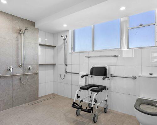 4a-wheelchair-friendly-mooloolaba-apartment (10)