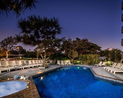 newport-mooloolaba-accommodation-dusk (1)