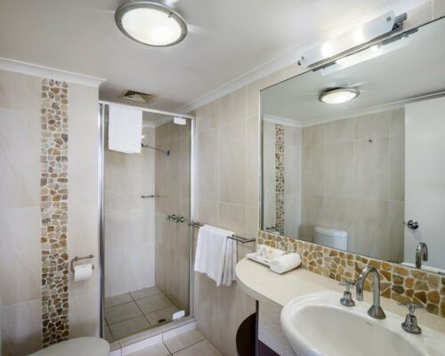u6b 2 bed oceanview mooloolaba accommodation (11)