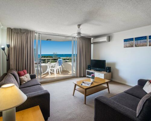 u6b 2 bed oceanview mooloolaba accommodation (7)