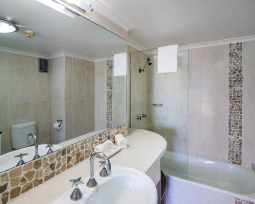 u6b 2 bed oceanview mooloolaba accommodation (8)