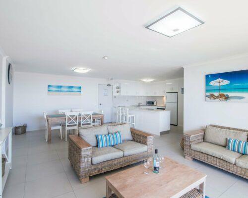 u8b 2 bed oceanview mooloolaba accommodation (11)